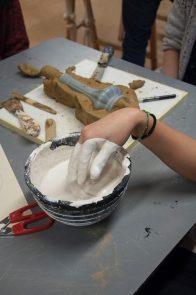 Mixing cream for sculpting.